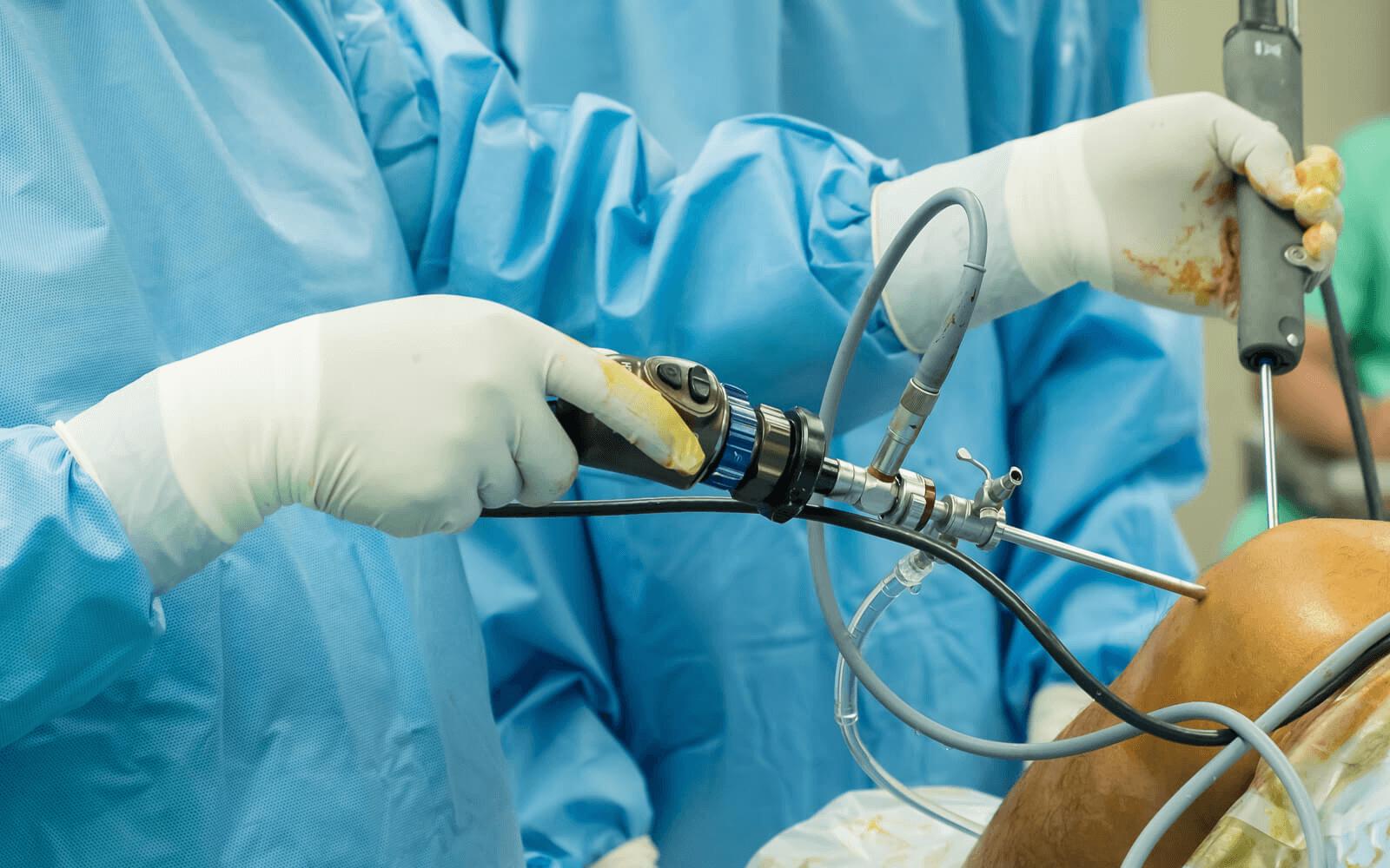 térdprotézis műtét utáni gyógyulási idő)